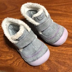 🌈 3 for $20 Stride rite gray boots for baby